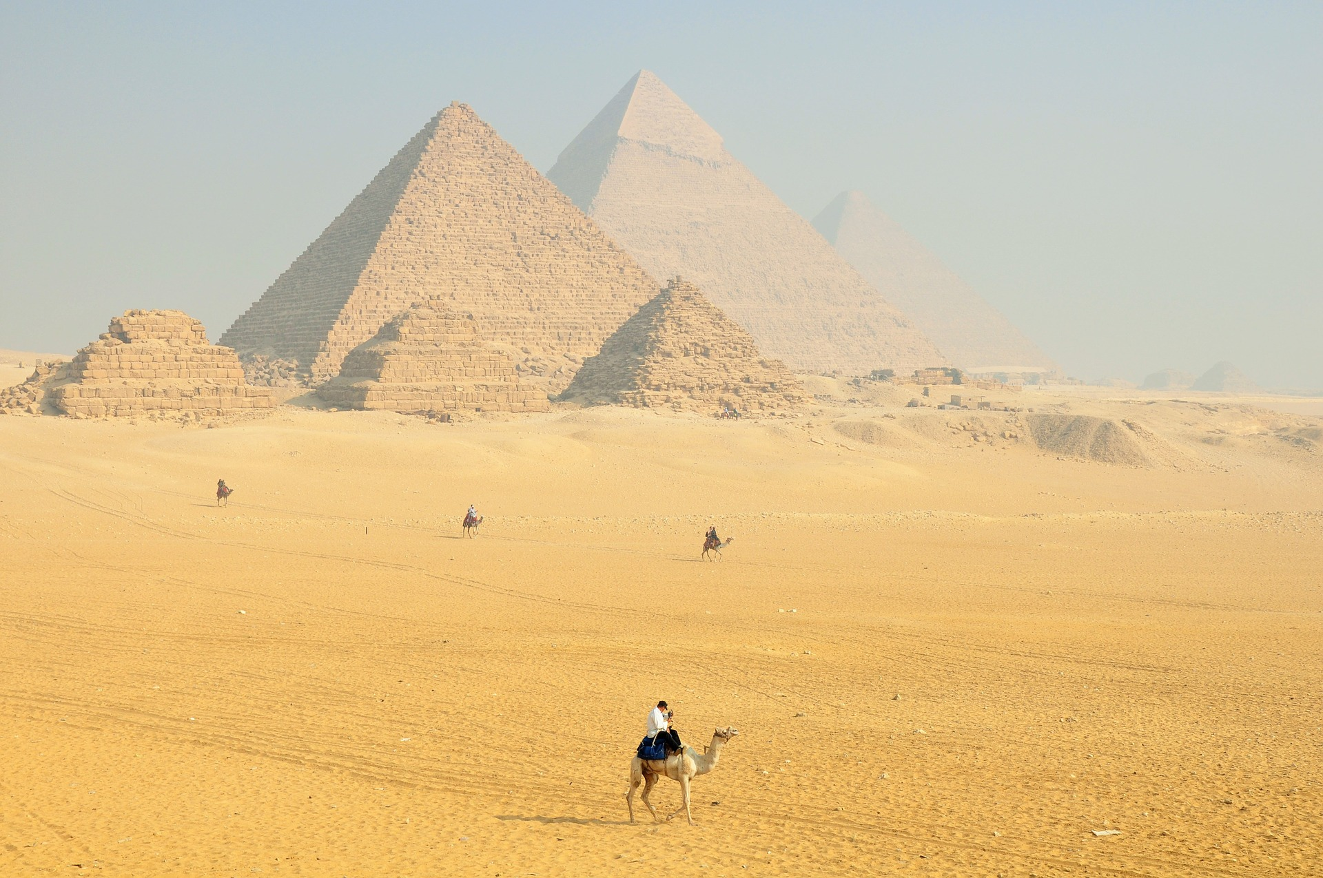 pyramidy_egypt